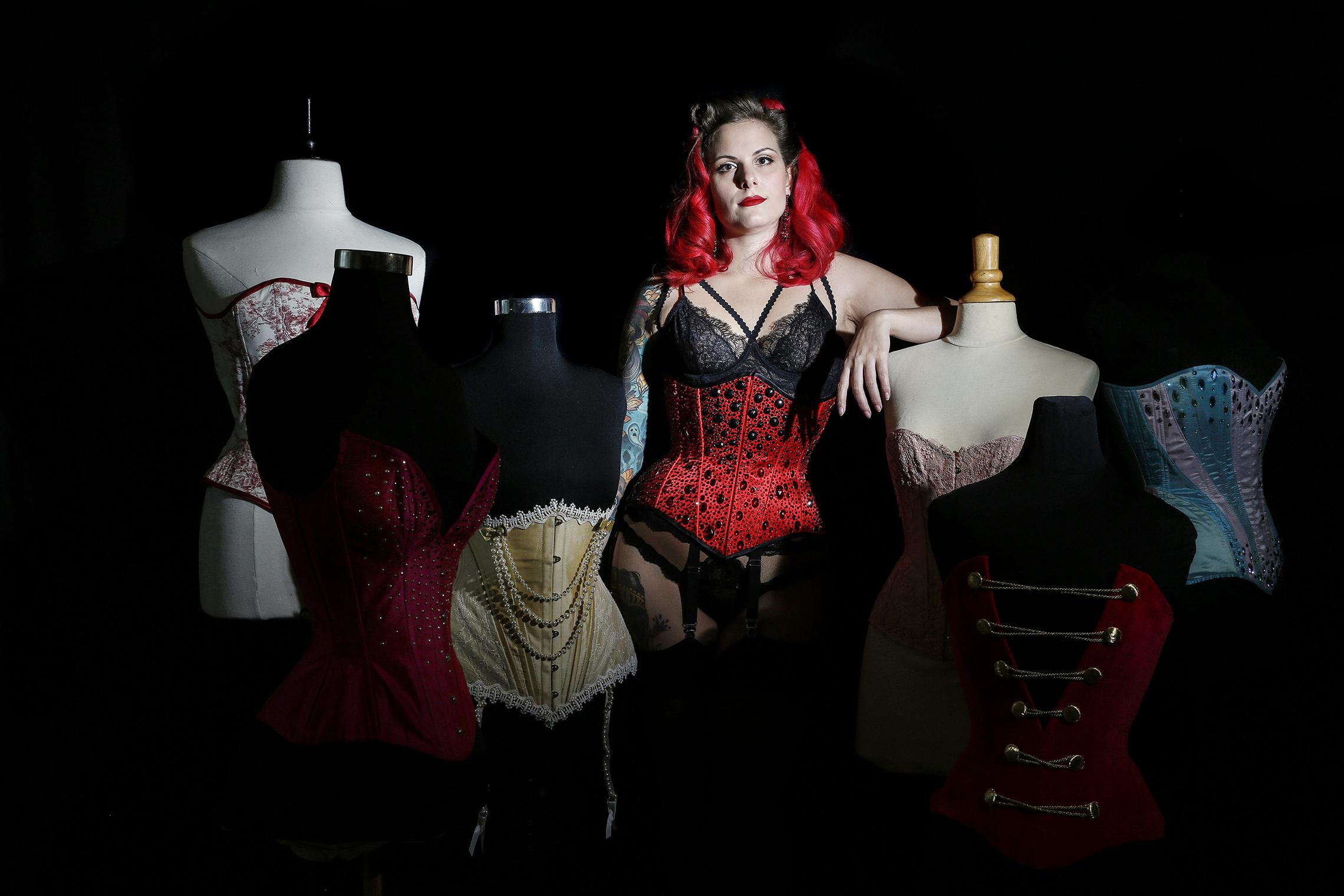 Ivy Hipsylon, corsetière, 12h03, Peau d'Ame