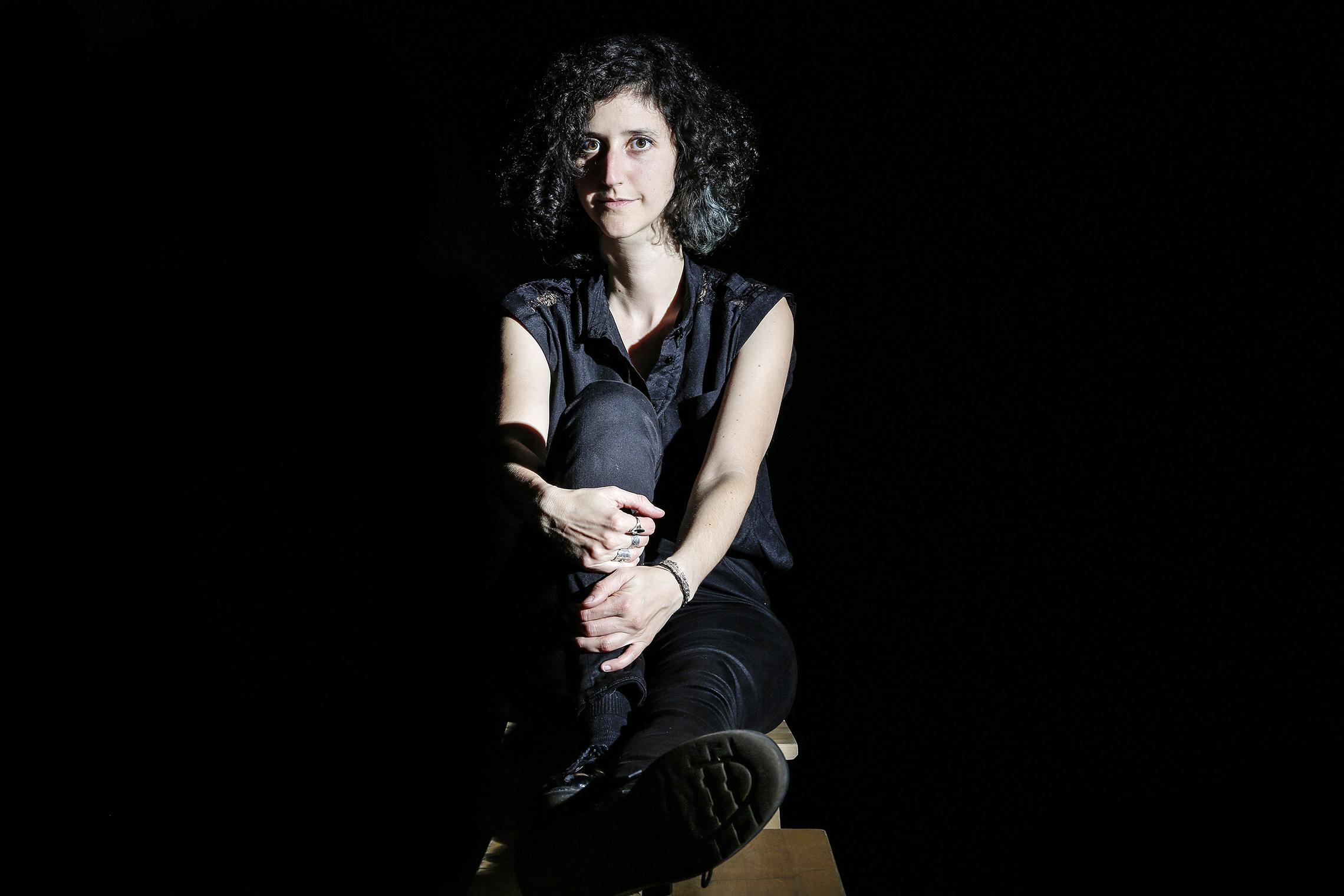 Laure, chanteuse-musicienne-compositrice, 13h53, Nouveau Monde